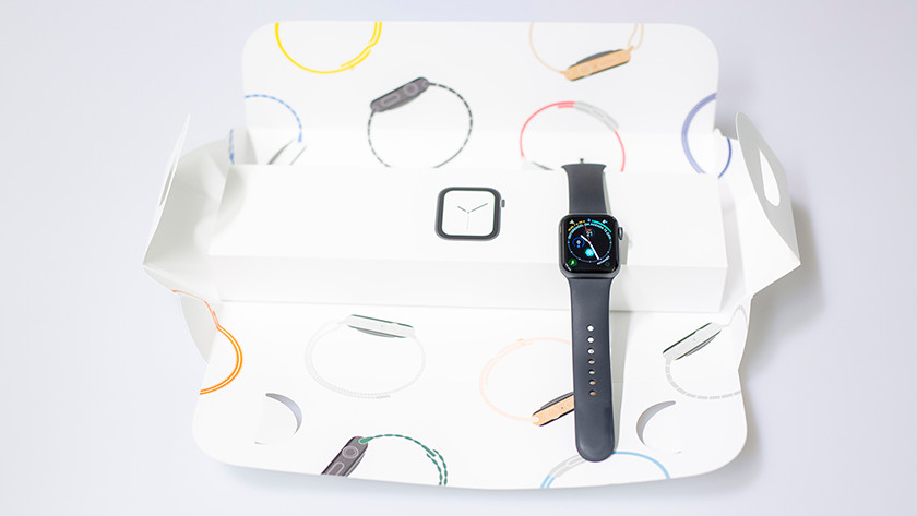 Apple Watch 4 unboxing