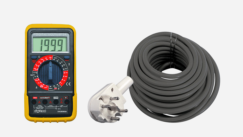 1 phase plug, multimeter, and cable