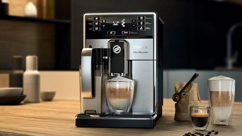 Preparing cappuccino with 1 press of a button