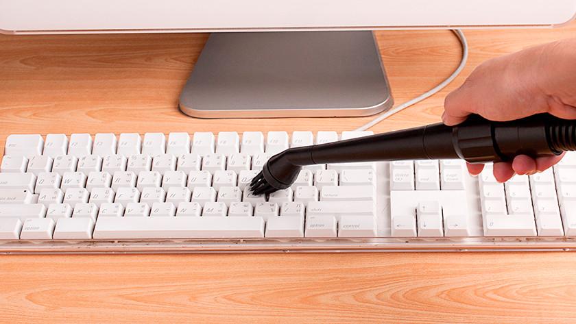 Schoonmaken toetsenbord goed
