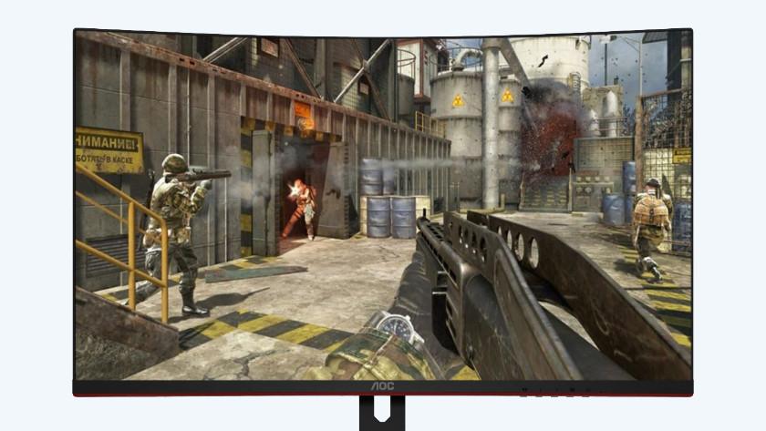 First person shooter op de 32 inch gaming monitor van AOC