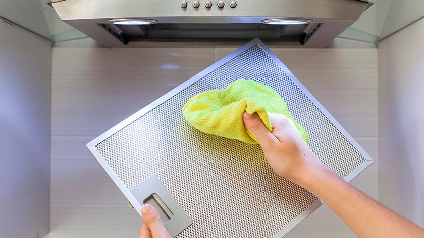 Vetfilter afzuigkap schoonmaken