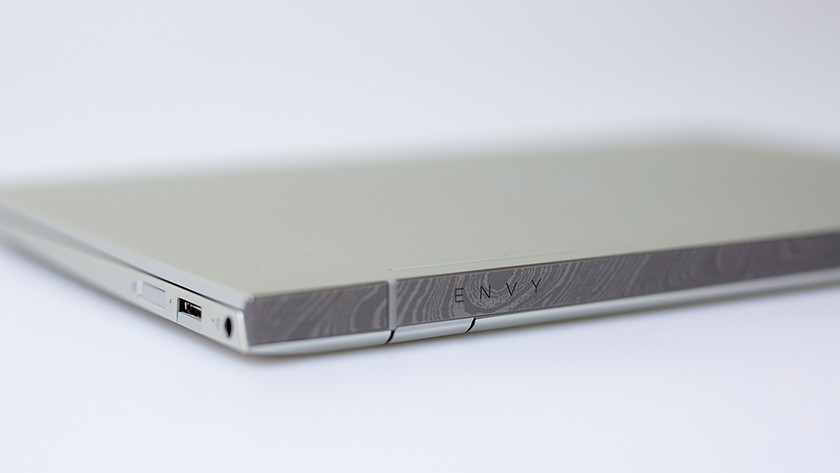 Schermrand HP Envy 13-ah0810nd laptop.