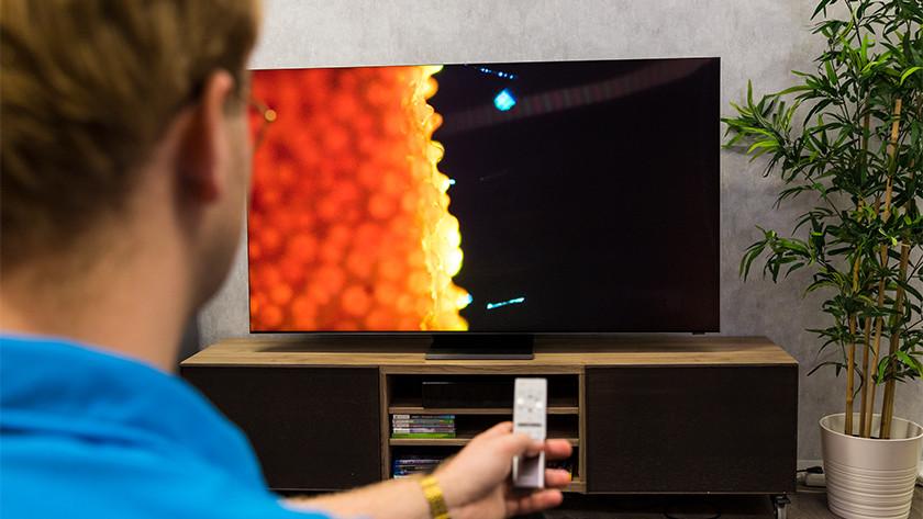 Helderheid en zwartweergave van de Samsung QLED Q950TS 8K tv