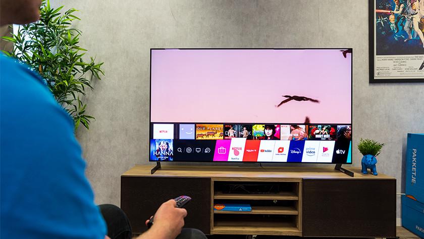 Het WebOS smart menu van de LG GX OLED tv