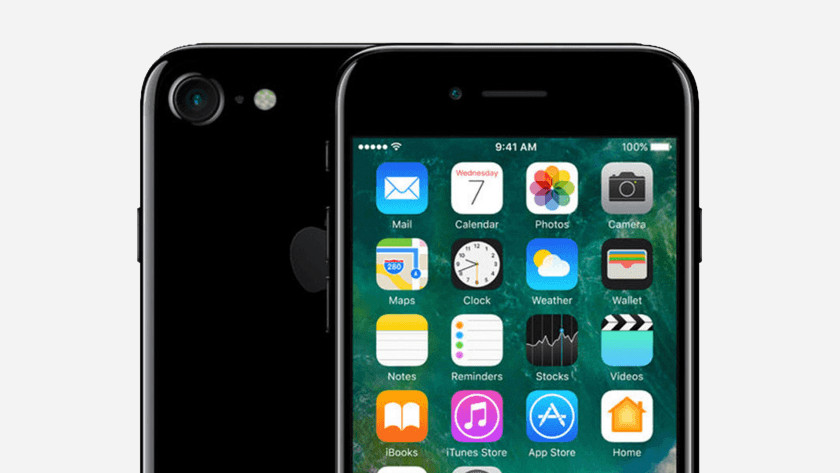 Front and back iPhone 7 Jet Black
