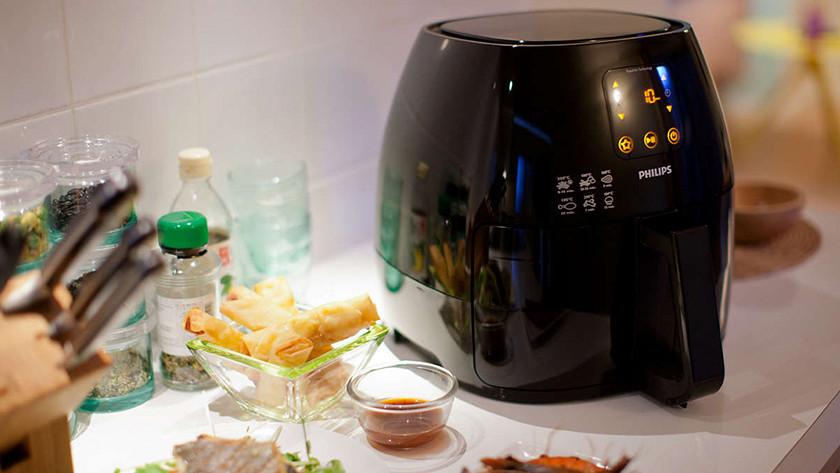 Philips Airfryer XL in kitchen