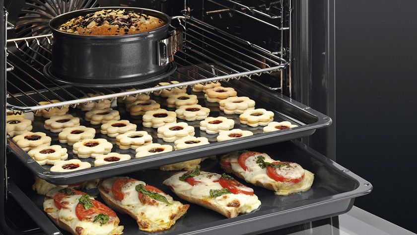 Inbouw oven met verschillende inschuifhoogtes