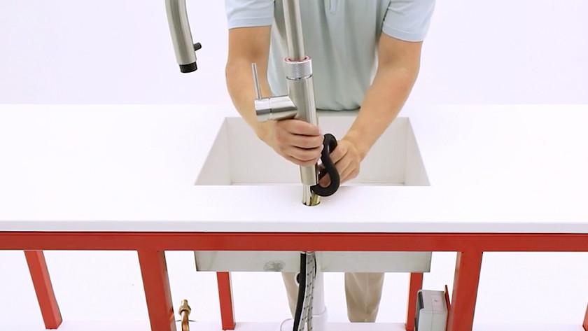 Kokend water kraan installeren