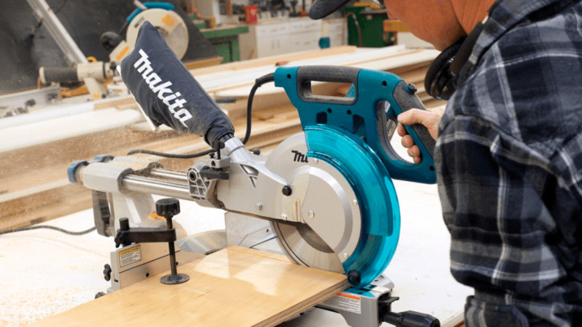 Pull function on crosscut saw