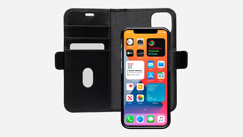 iPhone 12 of iPhone 12 Pro hoesje kiezen