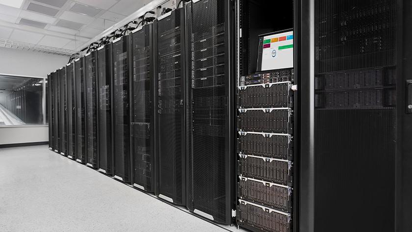 Meerdere enterprise harde schijven in een server ruimte