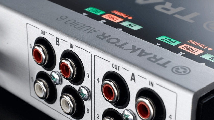 Outputs audio interface