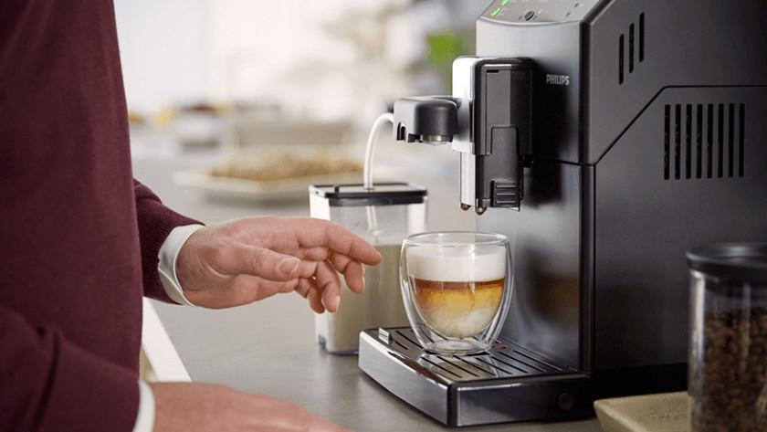 cappuccino maken met melkslang