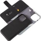 Decoded Apple iPhone 13 Pro 2-in-1 Case Leer Zwart