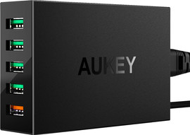 Aukey Usb A Oplaadstation met 5 Poorten 7.2A Quick Charge Zw