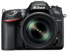 Nikon D7200 + AF-S 18-105mm f/3.5-5.6 G ED VR