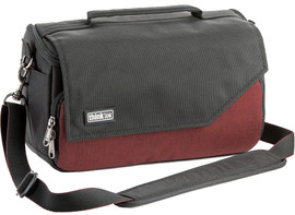 Think Tank Mirrorless Mover 25i Deep Red