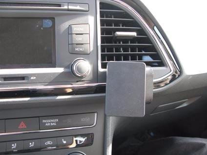 Brodit ProClip Seat Leon from 2013 Right Angle Attachment