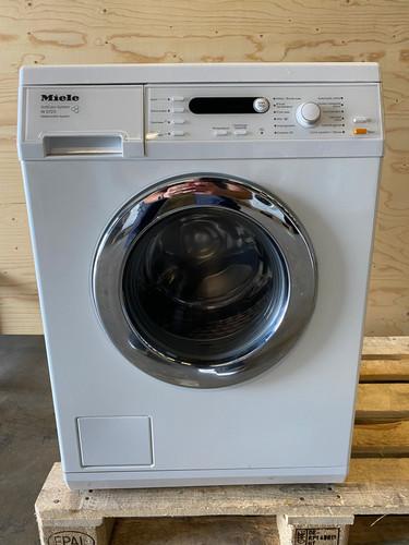 Miele W5723 Refurbished Main Image