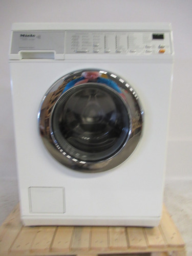 Miele W5260 Refurbished Main Image