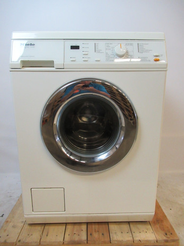 Miele W425 Refurbished Main Image