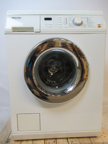 Miele W4645 Refurbished Main Image