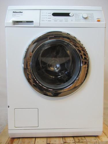 Miele W5821 Refurbished Main Image