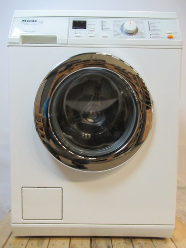 Miele W2523 Refurbished Main Image