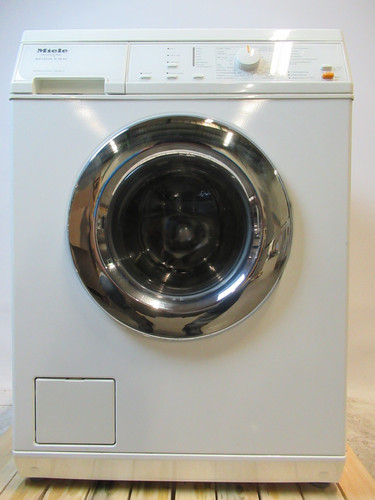 Miele V3635 Refurbished Main Image