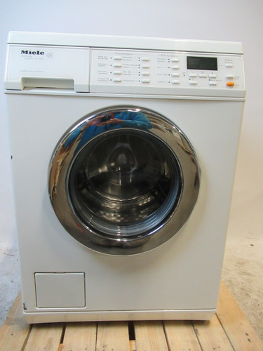 Miele W3653 Refurbished Main Image