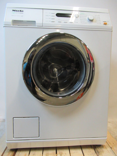 Miele W3845 Refurbished Main Image
