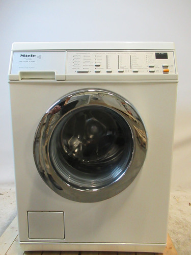 Miele W 2515 WPS Refurbished Main Image
