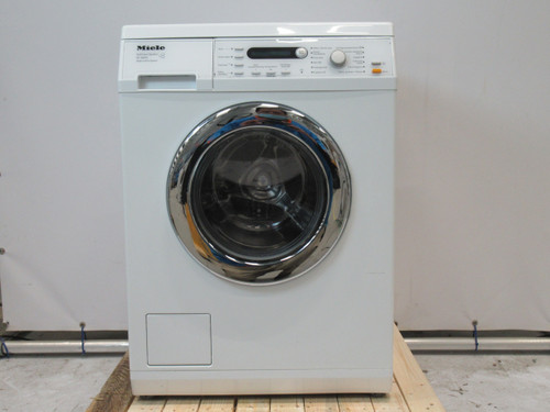 Miele W5843 Refurbished Main Image