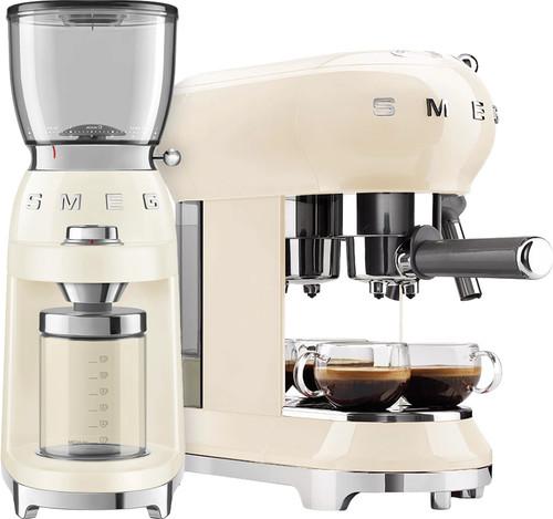 SMEG ECF01CREU Crème + Koffiemolen Main Image