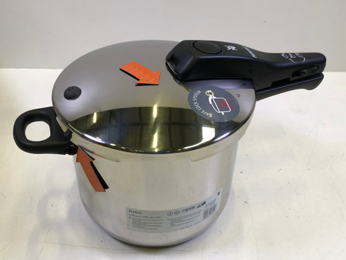 Second Chance WMF Perfect Pressure Cooker 6.5L