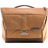 Peak Design the Everyday messenger 13