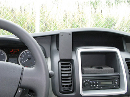 Brodit ProClip Opel Vivaro 11- Center