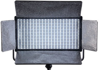 Falcon Eyes LED Lamp Dimbaar LP-820TD op 230V
