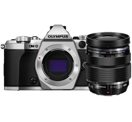 Olympus OM-D E-M5 II Zilver + 12-40mm