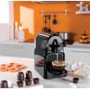 product in gebruik Nespresso Inissia M105 Zwart