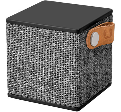 Fresh 'n Rebel Rockbox Cube Fabriq Edition Zwart