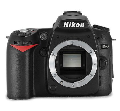 Nikon D90 + flitser
