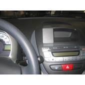 Brodit ProClip Toyota Aygo/Peugeot 107/Citroen C1 06-11 Center
