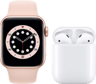 Apple Watch Series 6 40mm Roségoud Roze Bandje + Apple AirPods 2 met oplaadcase
